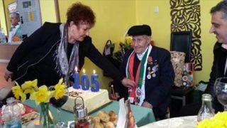 Вижте как 105-годишния дядо Георги излекува пердето на очите си