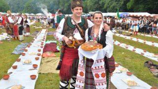 Вижте тази Българска Сватба която влезе в Рекордите на Гинес като Най-Голямата!