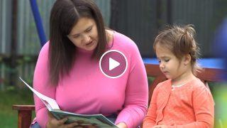 Вижте и подкрепете това 4 годишно момиче което говори 7 езика!
