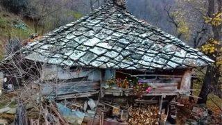 Тази 300 годишна Българска къща разкрива историята си пред нас!