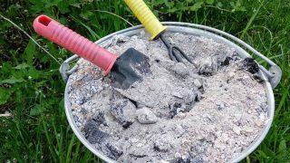 Ползи от Дървесна пепел в градината за които не знаете! Ето за какво помага